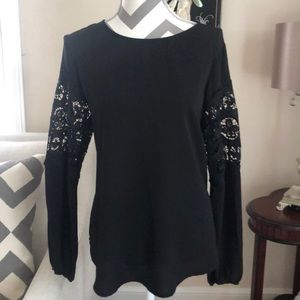 🎉 Kate & Mallory Black Lace Blouse